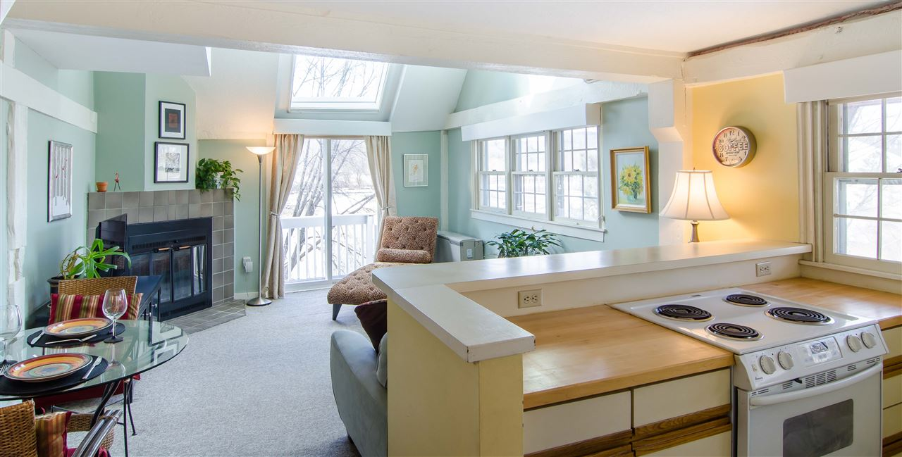 HARTFORD VT Condo for sale $$129,000 | $139 per sq.ft.