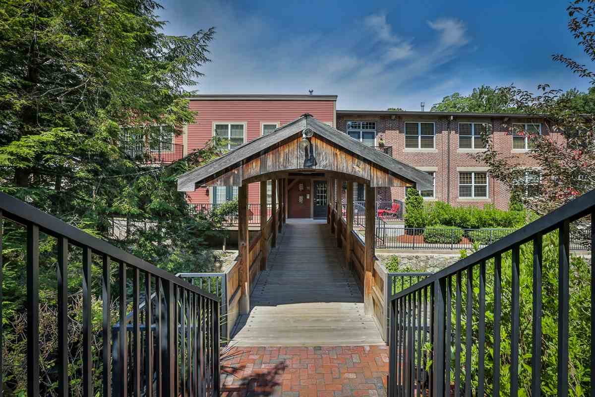 image of Derry NH Condo | sq.ft. 1370