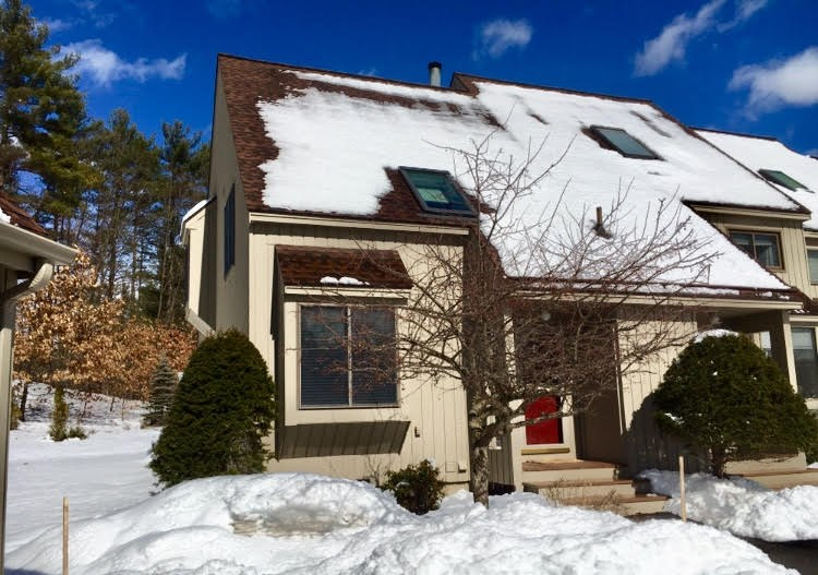 Bedford NH Condo for sale $List Price is $240,000