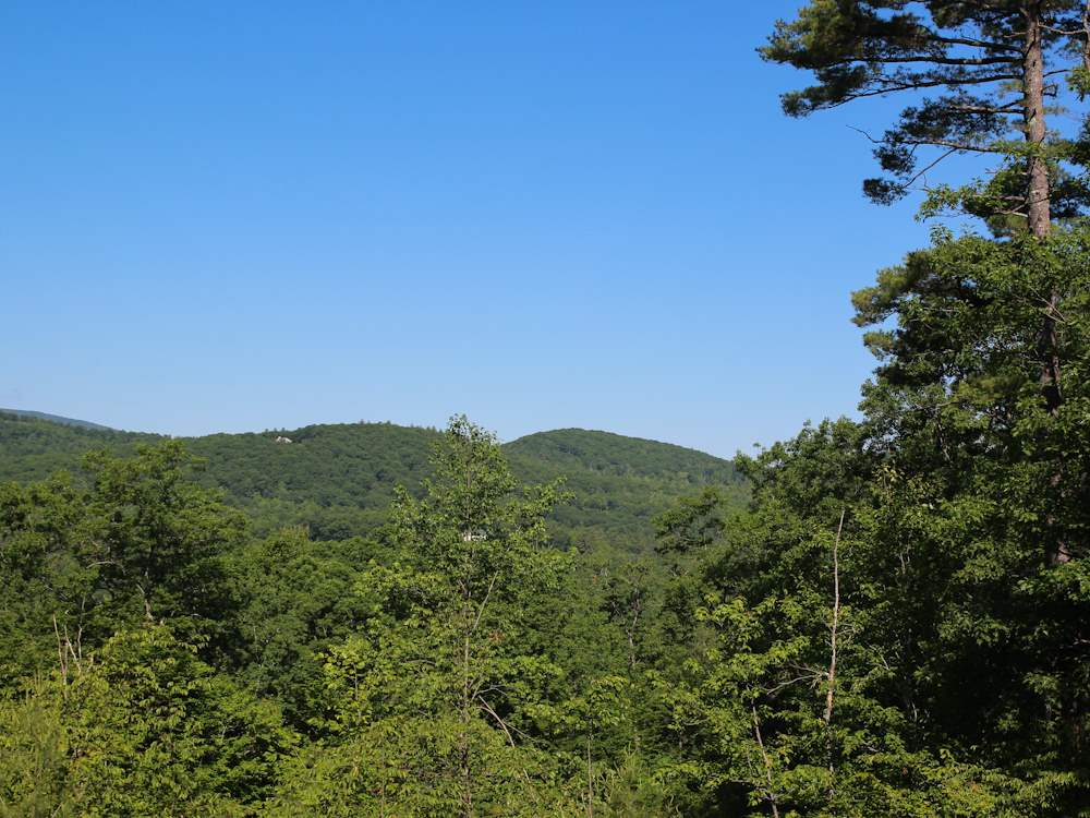 MLS 4681190: NA Peaked Hill, Ashland NH