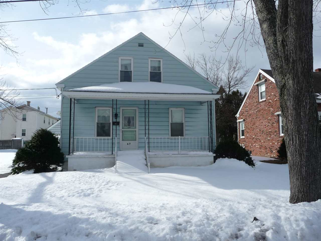 MANCHESTER NH Home for sale $$125,000 | $116 per sq.ft.