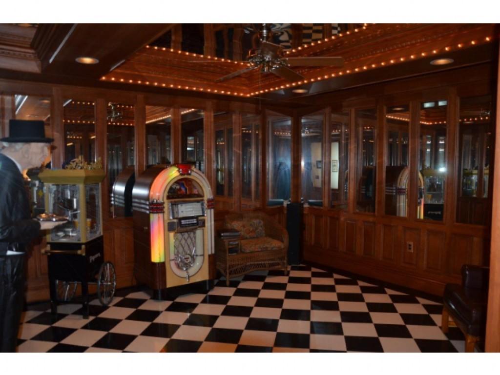 Dance Room 11571933