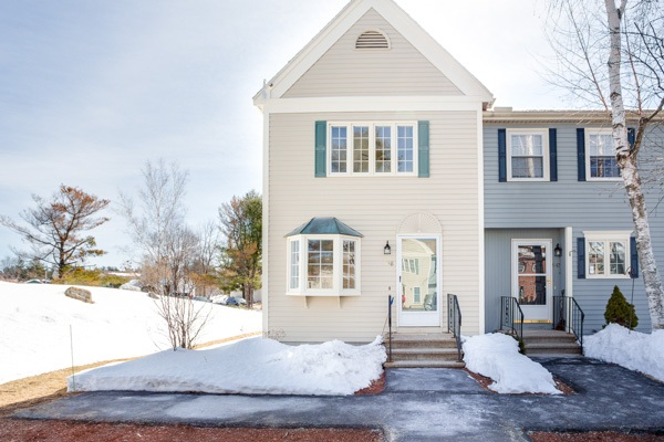 Hudson NH Condo for sale $List Price is $219,900