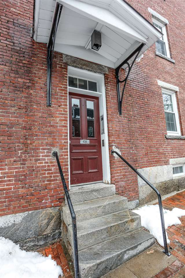 Manchester NH Condo for sale $List Price is $119,000