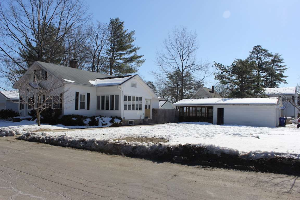 MANCHESTER NH Home for sale $$235,000 | $185 per sq.ft.