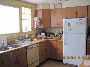 Sunny Open Kitchen 11631172