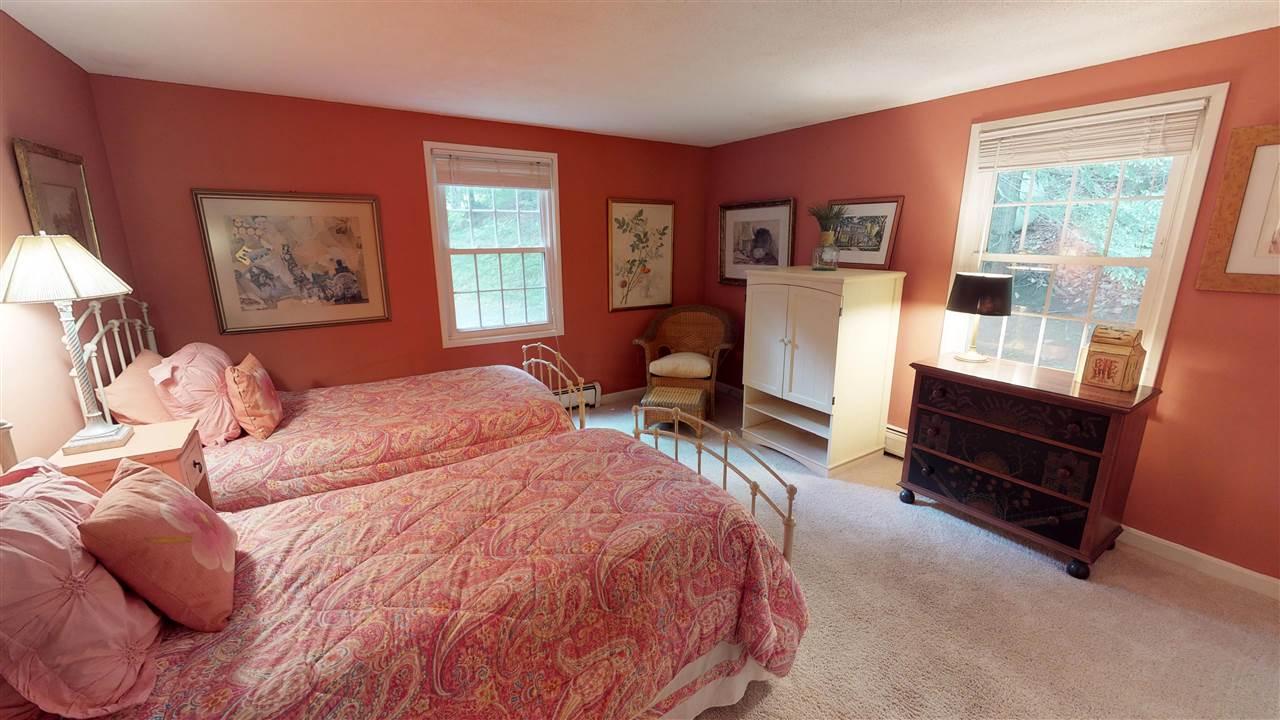 Bedroom 12096297