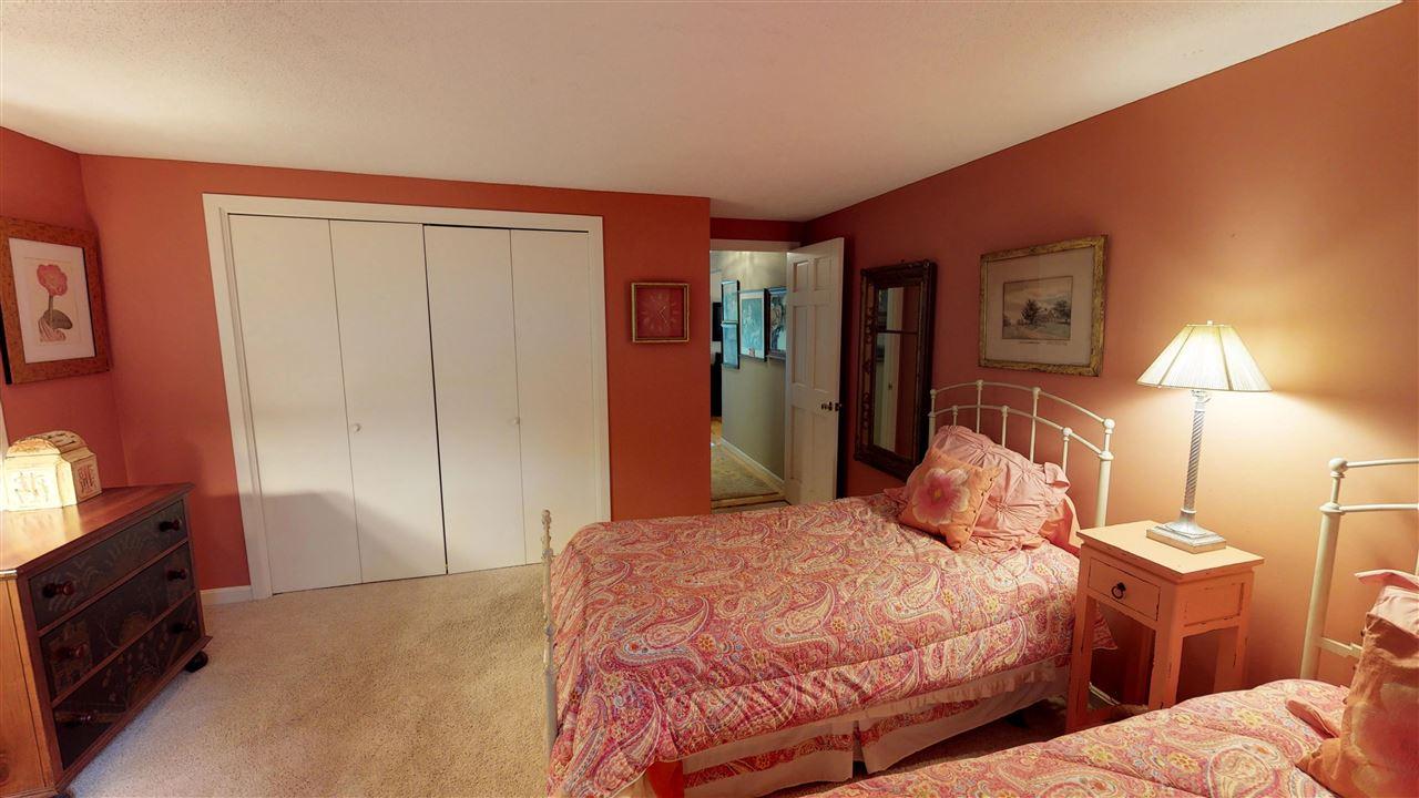 Bedroom 12096298