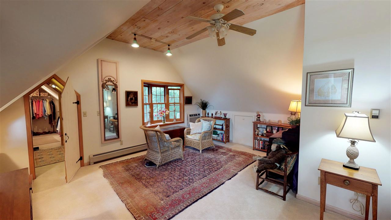 Master Bedroom Suite - Sitting Area and Walk-In Closet 12096315