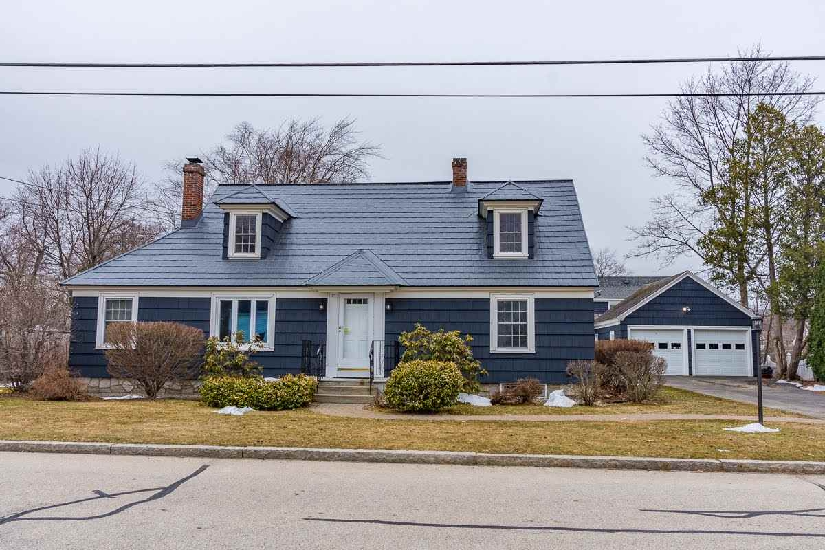 MANCHESTER NH Home for sale $$299,900 | $180 per sq.ft.