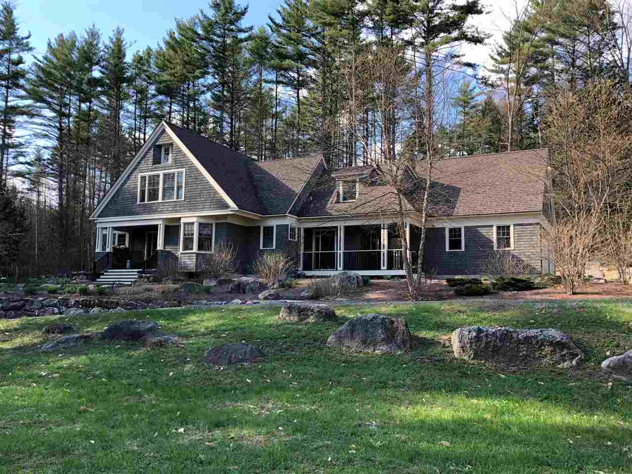 NEW LONDON NH Home for sale $$579,000 | $212 per sq.ft.