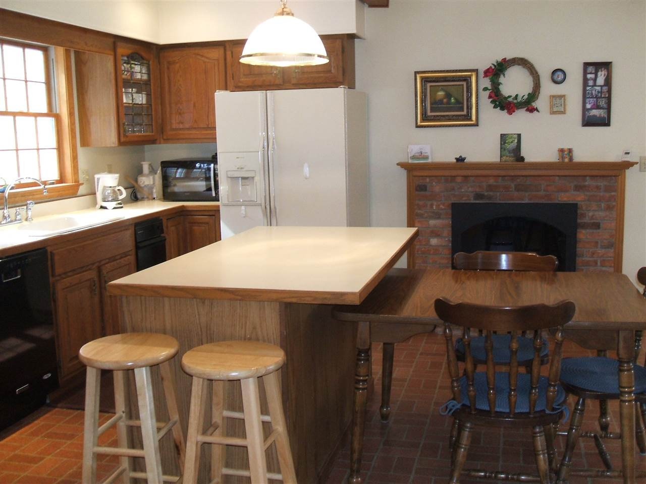 View to Kitchen Fireplace 11678872