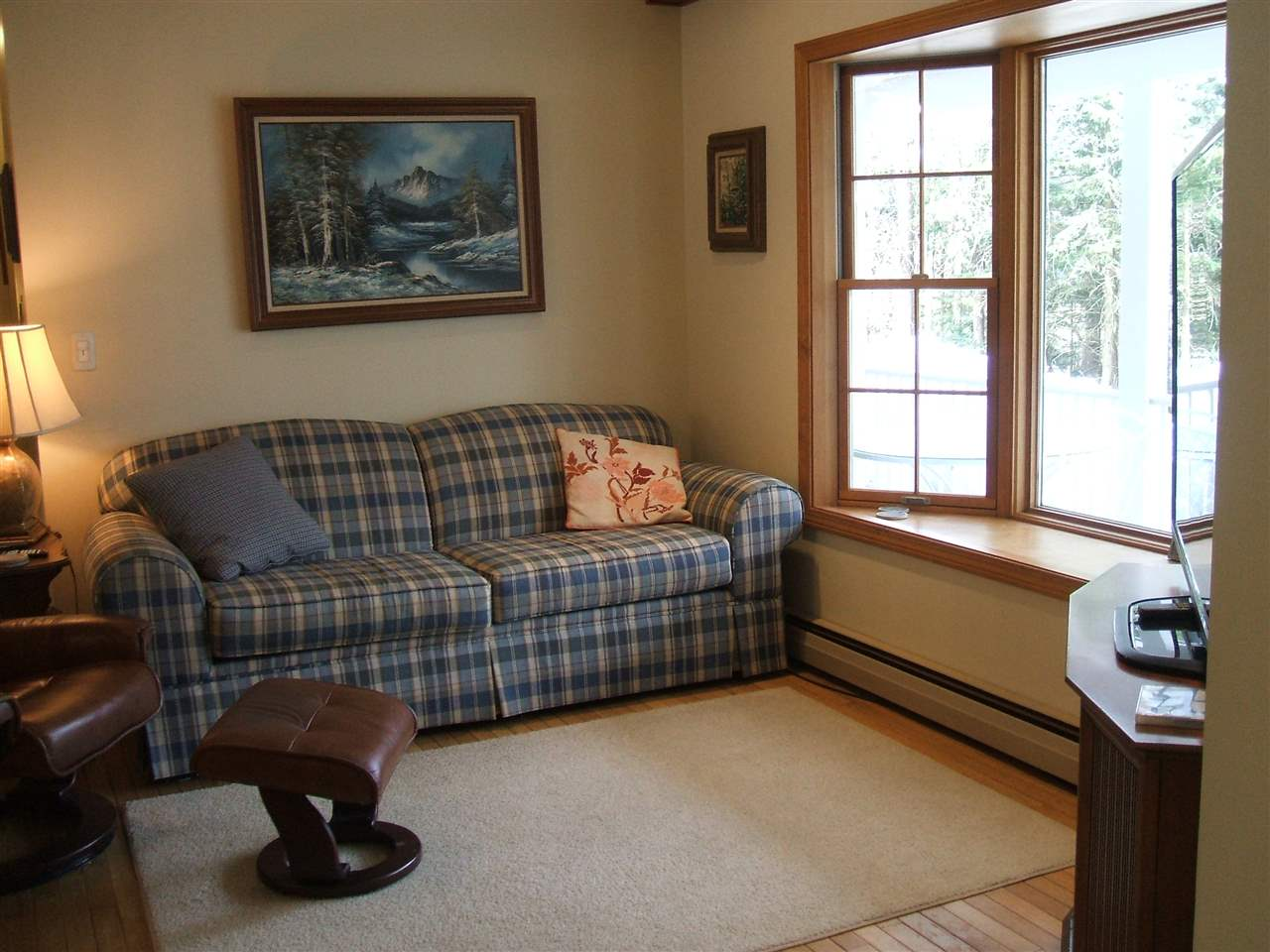 Comfortable Spaces 11678863