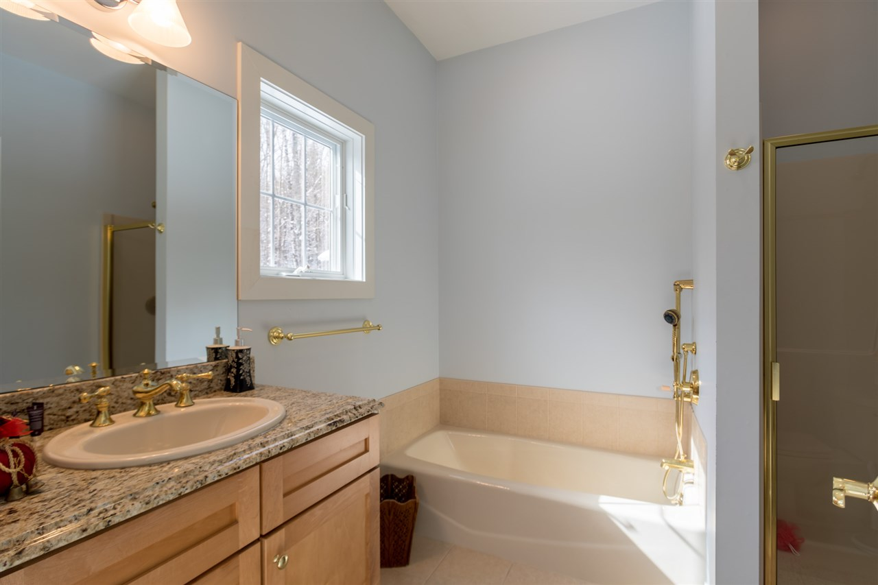 Full bath for first floor bedroom 11670840