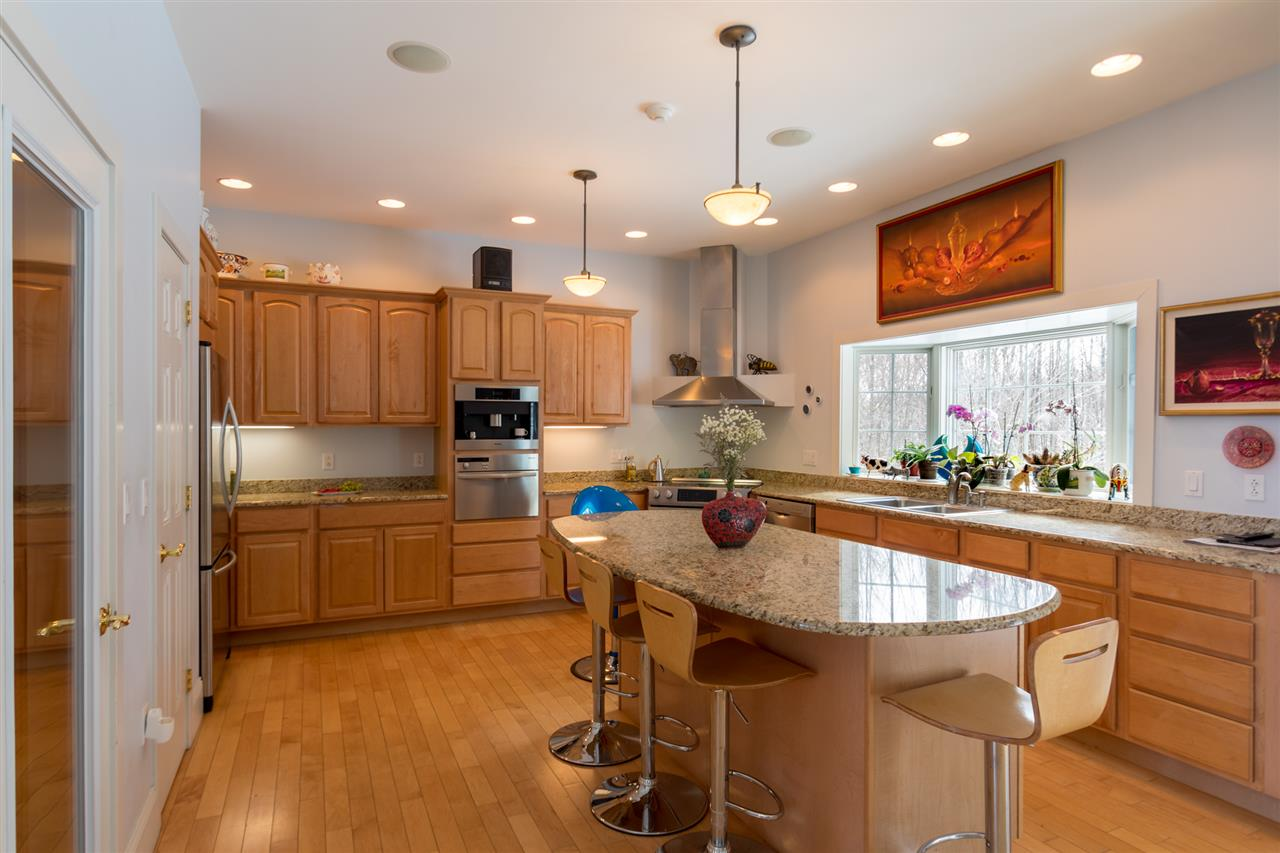 State of the art kitchen 11685171
