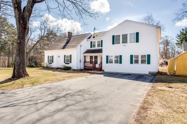 Plaistow NHHome for sale $List Price is $349,900