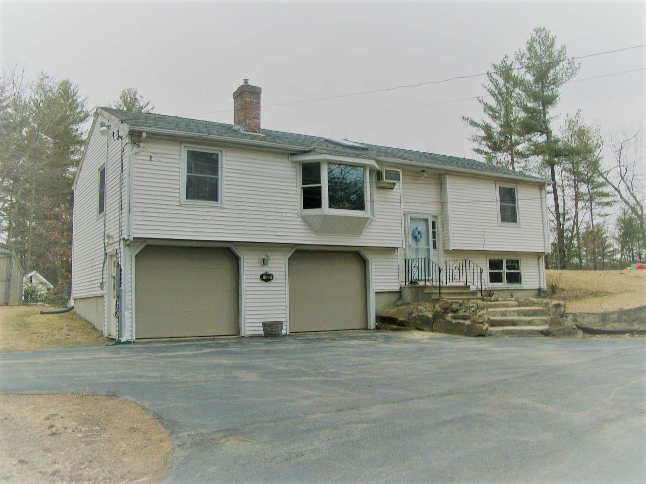 Londonderry NHHome for sale $List Price is $290,000