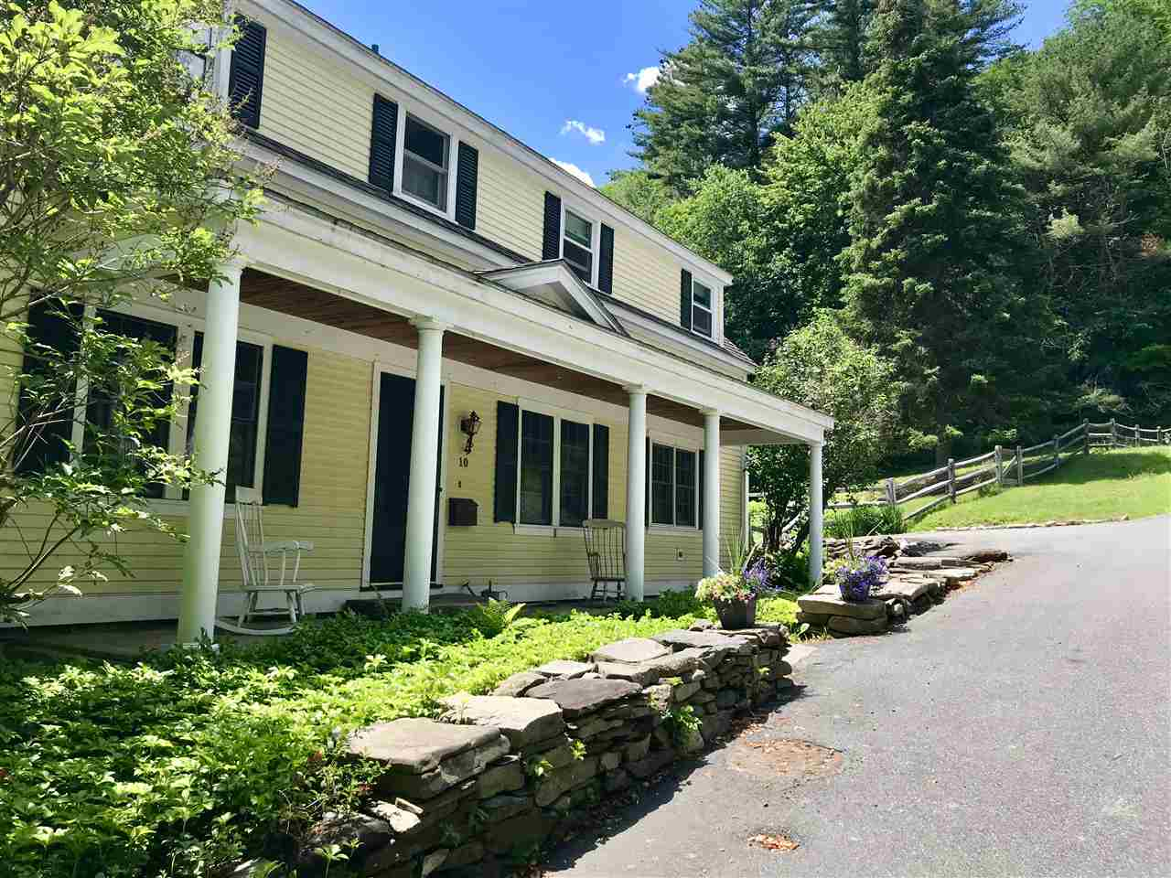 MLS 4685781: 10 North Street, Woodstock VT