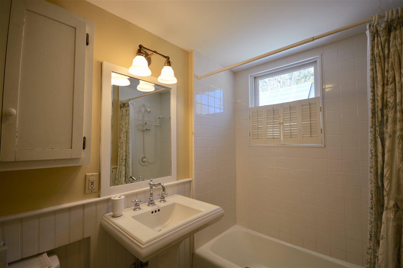 Guest Bath 1 11691511