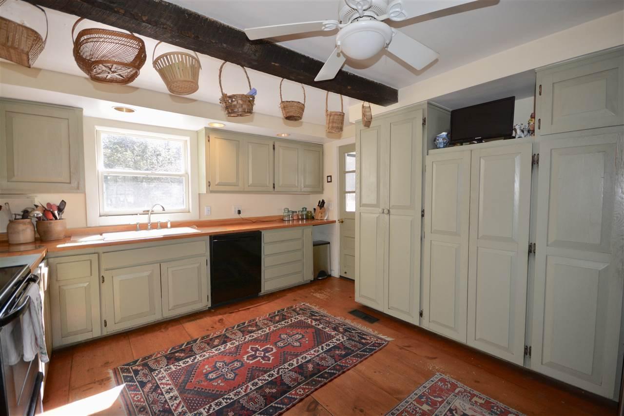 Kitchen 11691502