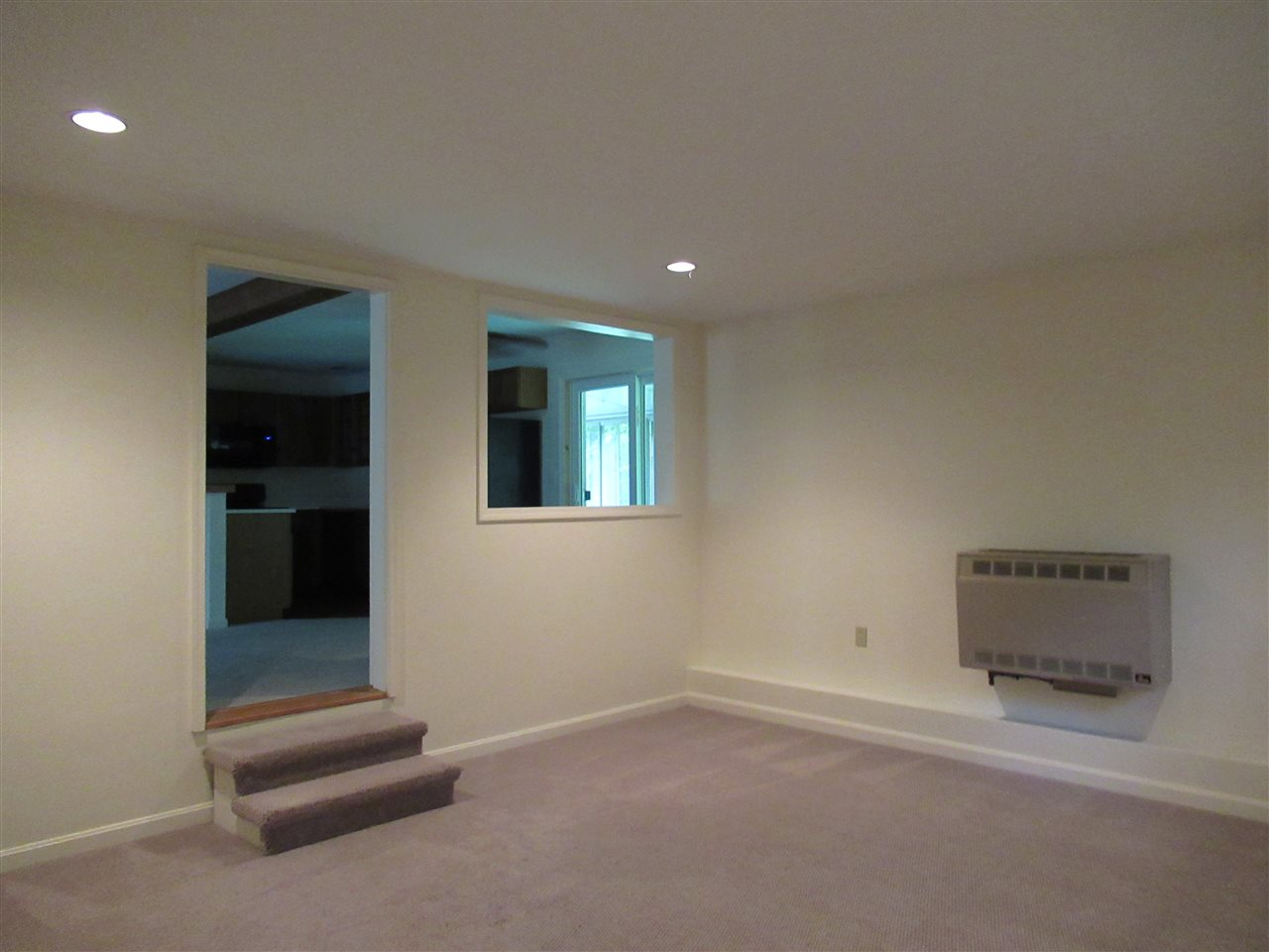 Family Room 11693785