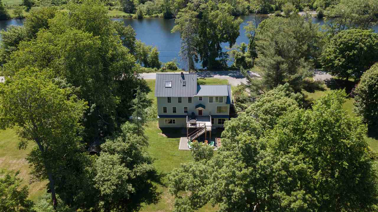LYME NH Lake House for sale $$629,000 | $256 per sq.ft.