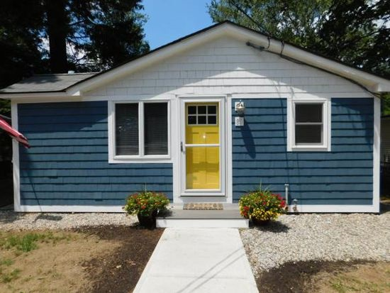 FREMONT NH Home for sale $194,500