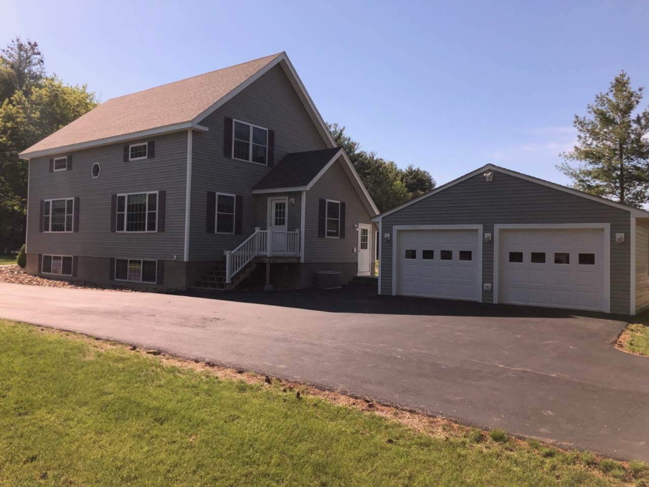 MANCHESTER NHHome for sale $$419,900 | $195 per sq.ft.