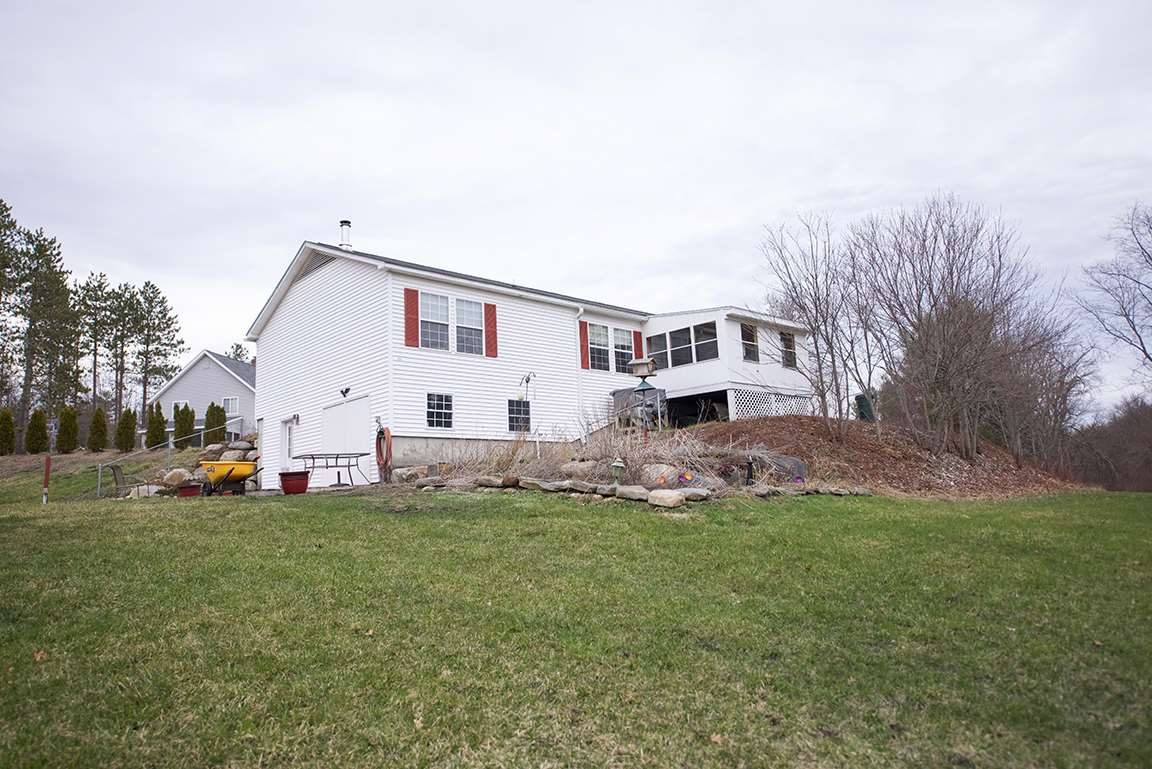Fremont NHHome for sale $List Price is $268,900