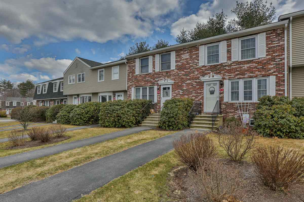 Goffstown NHCondo for sale $List Price is $166,900