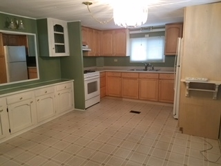 Salem NH Mobile-Manufacured Home for sale $List Price is $22,500
