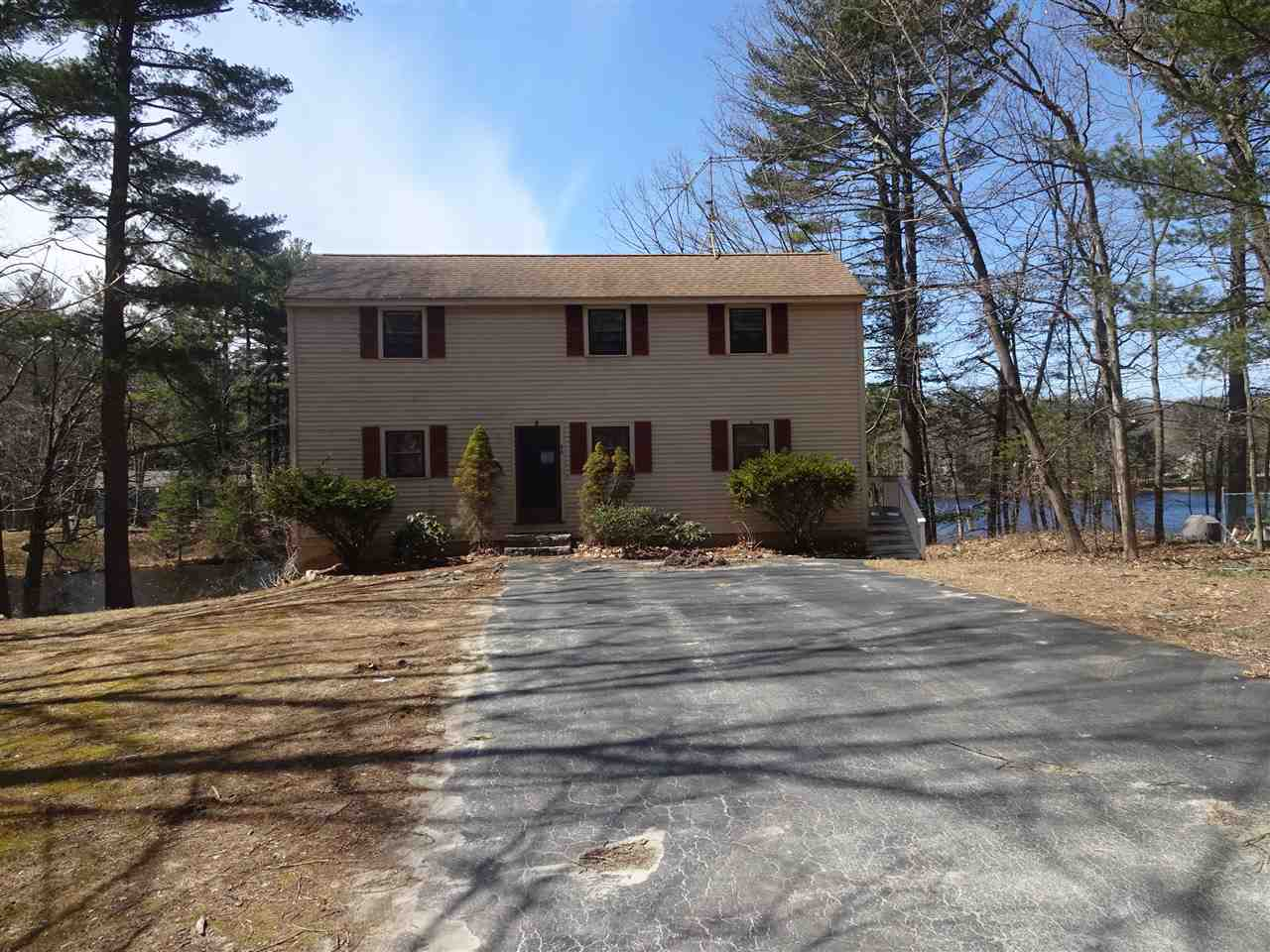 Photo of 44 Robinson Pond Drive Hudson NH 03051