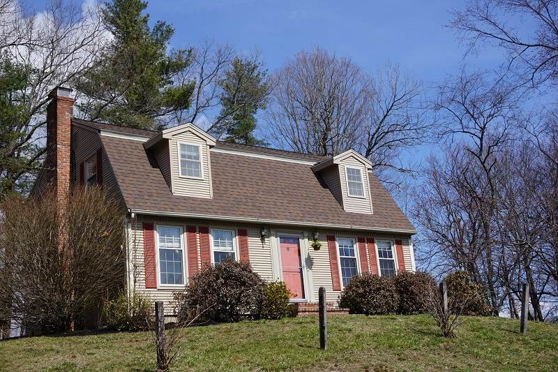 Hollis NH Home for sale $List Price is $340,000