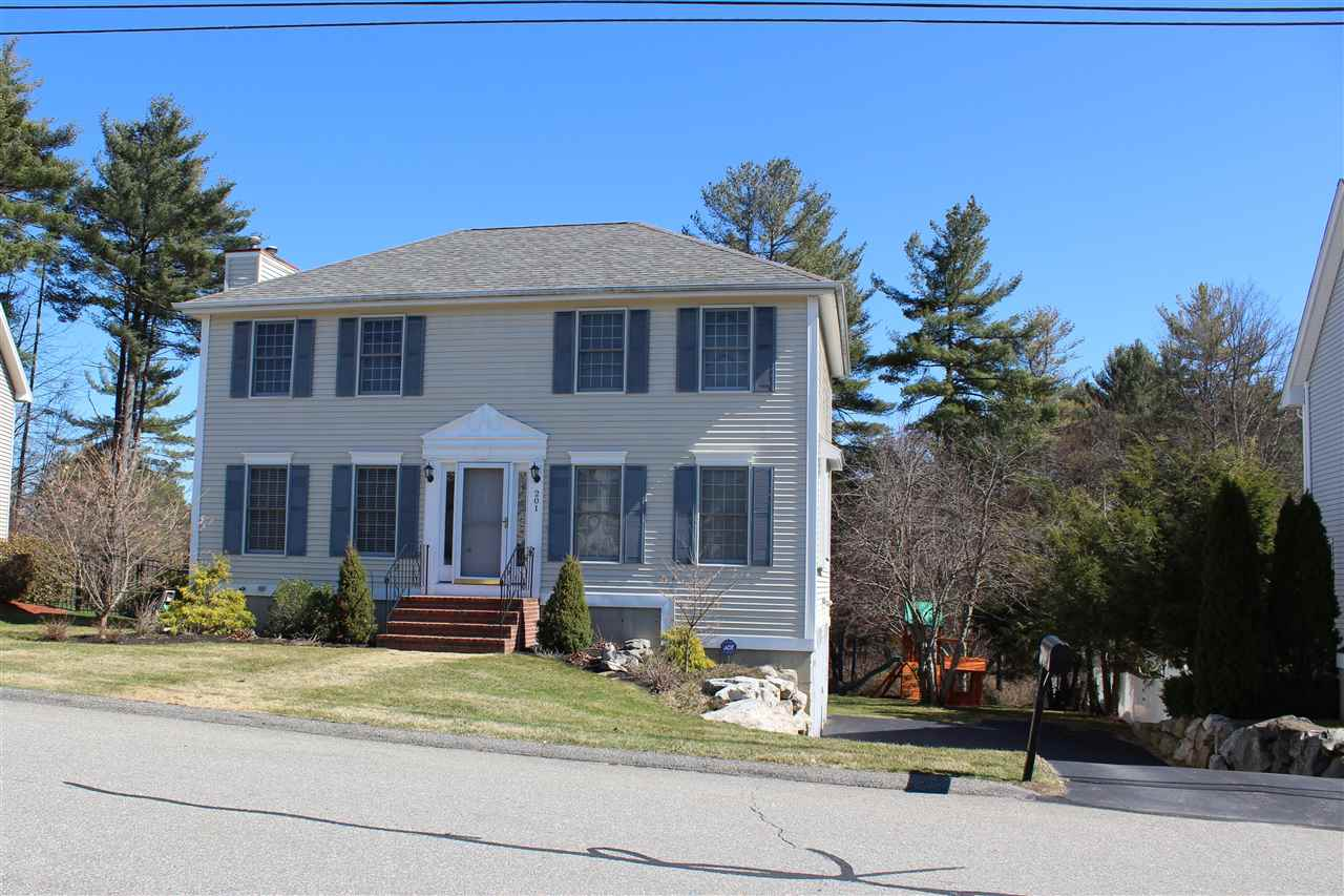 MANCHESTER NH Home for sale $$315,000 | $182 per sq.ft.