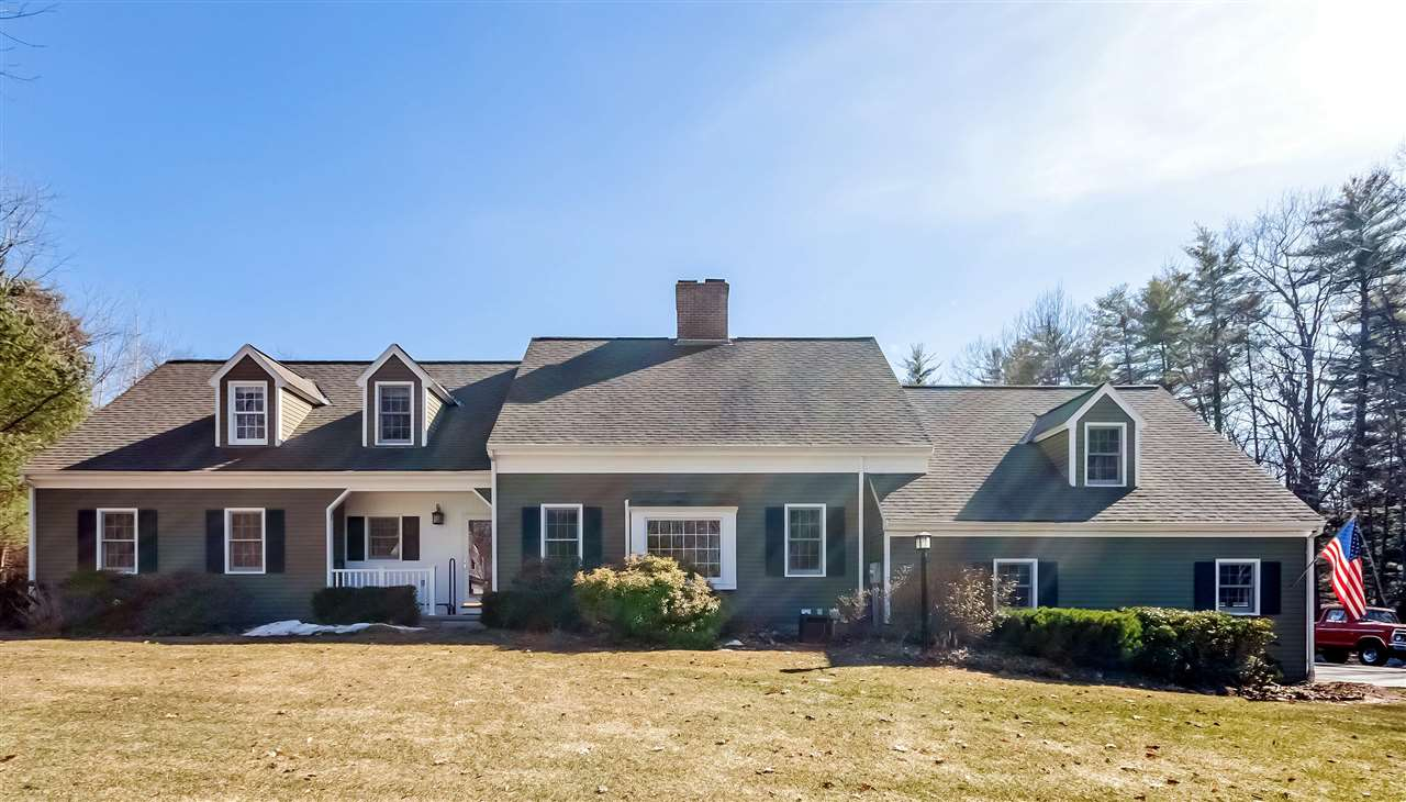 MLS 4688179: 346 Forest Road, Wolfeboro NH
