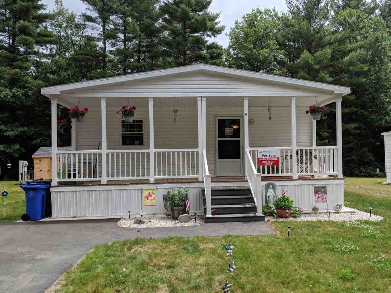 Londonderry NH Mobile-Manufacured Home for sale $List Price is $92,500