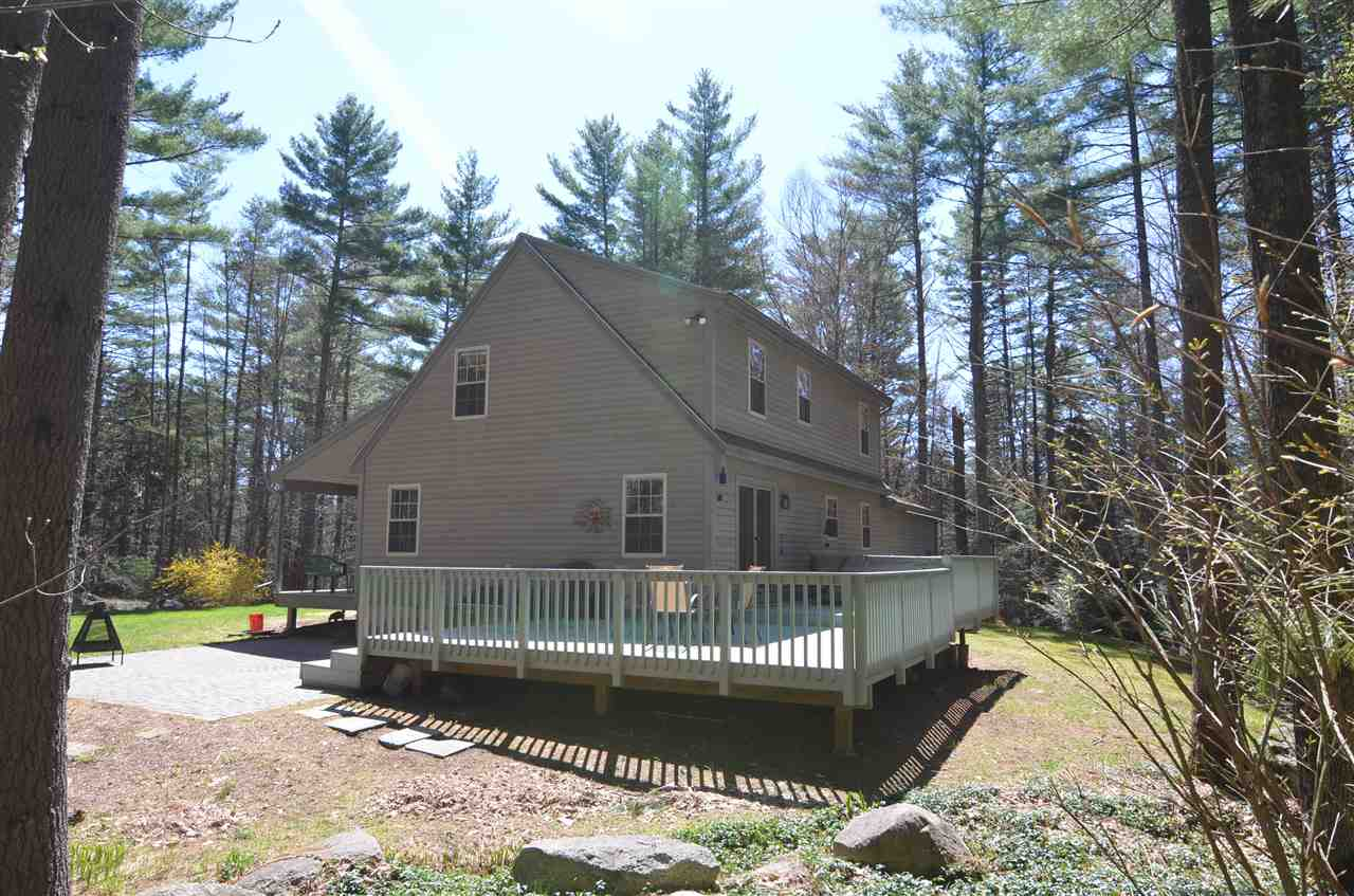 VILLAGE OF EASTMAN IN TOWN OF GRANTHAM NH Home for sale $$300,000 | $183 per sq.ft.