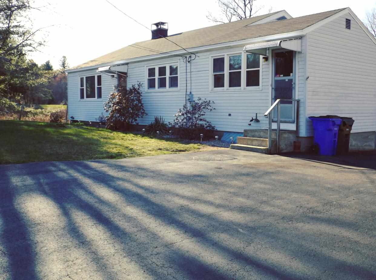 Goffstown NHHome for sale $List Price is $174,900