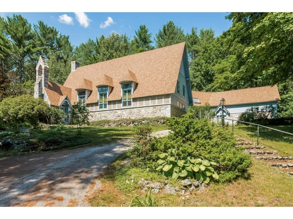 HOLDERNESS NH  Home for sale $499,000