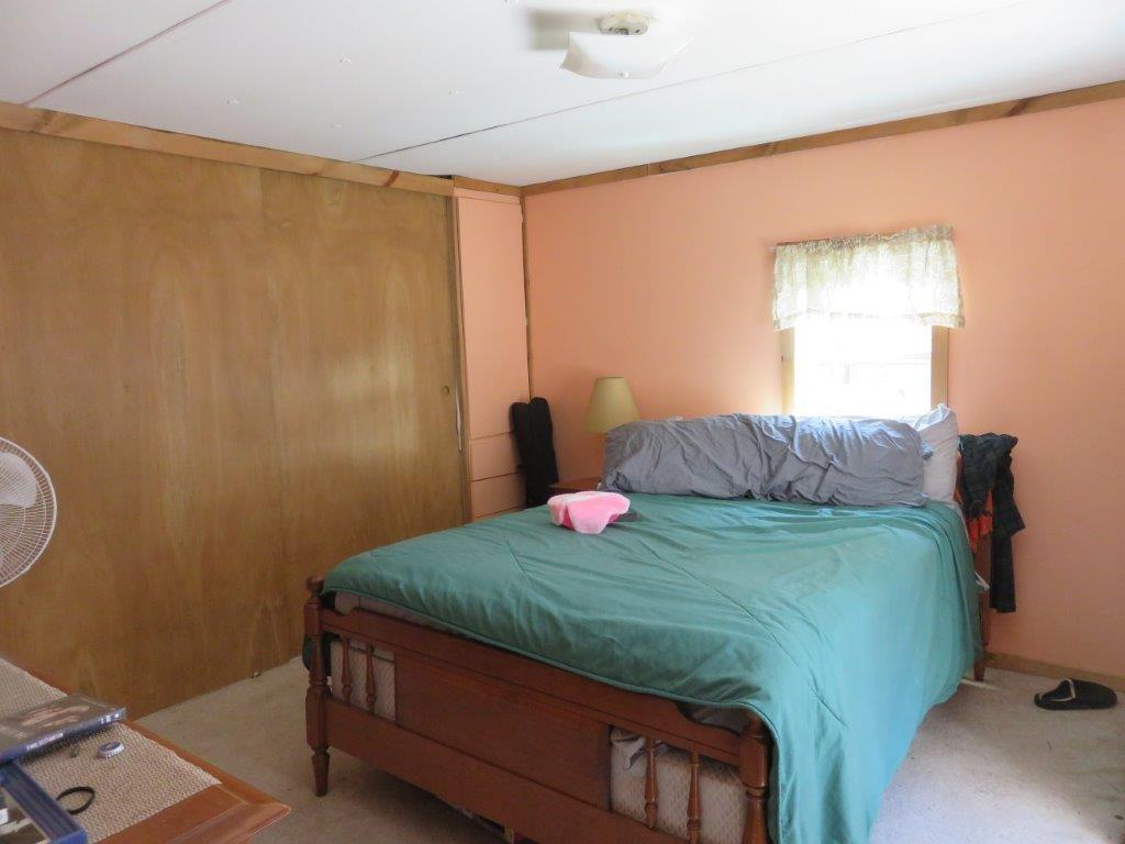 Bedroom 11759573