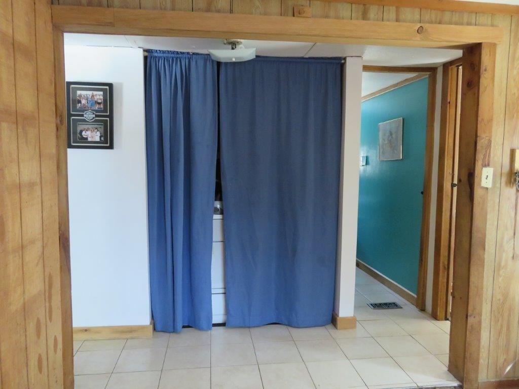 Laundry Closet 11759574
