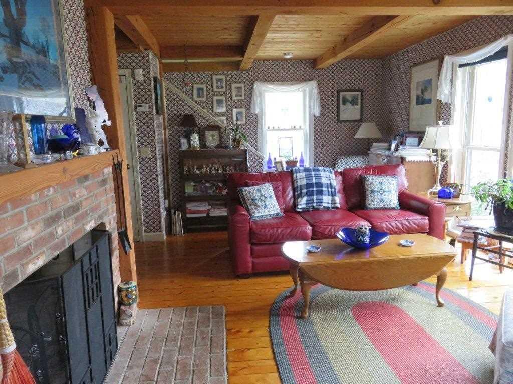 Wood Floors 11795229