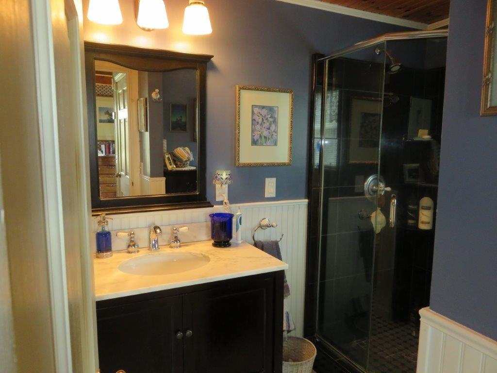 Tile Shower & Glass Doors 11795231