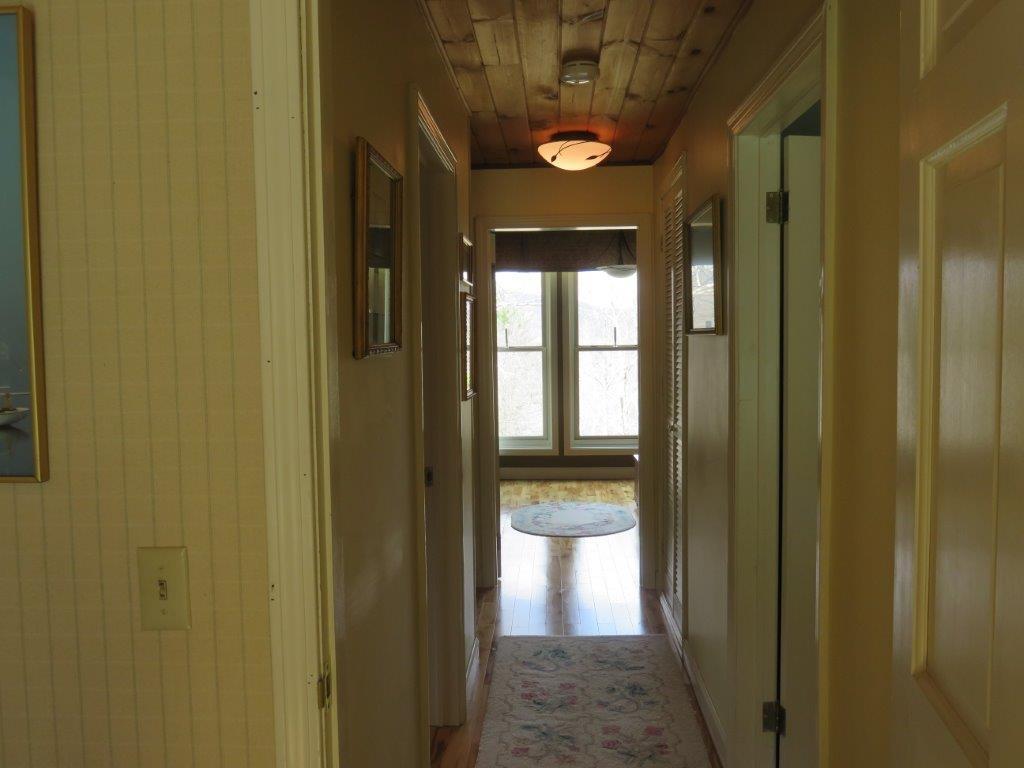 2nd Floor Hallway 11795243