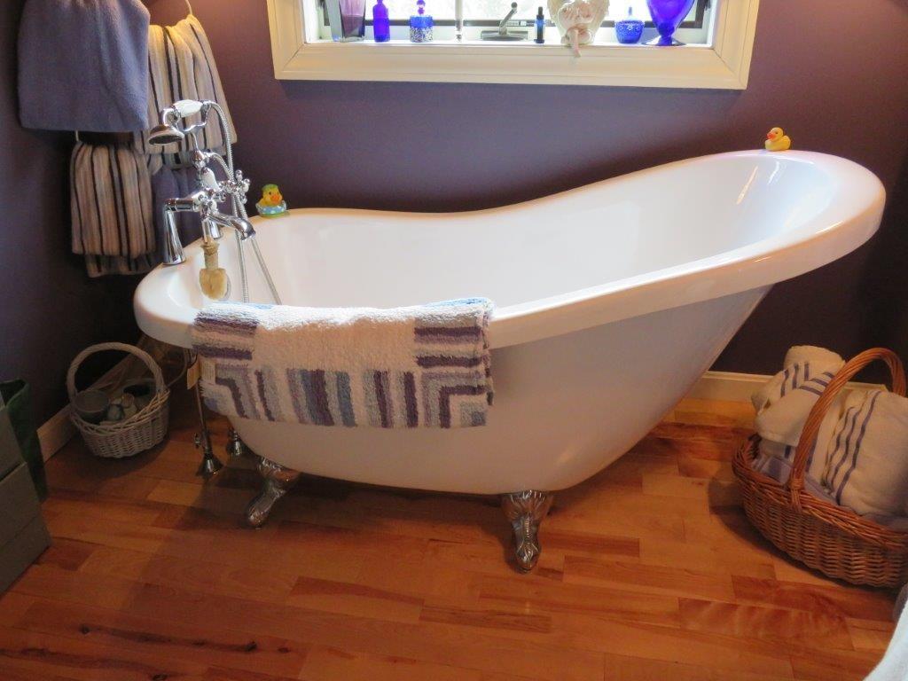 2nd Floor Bath 11795238