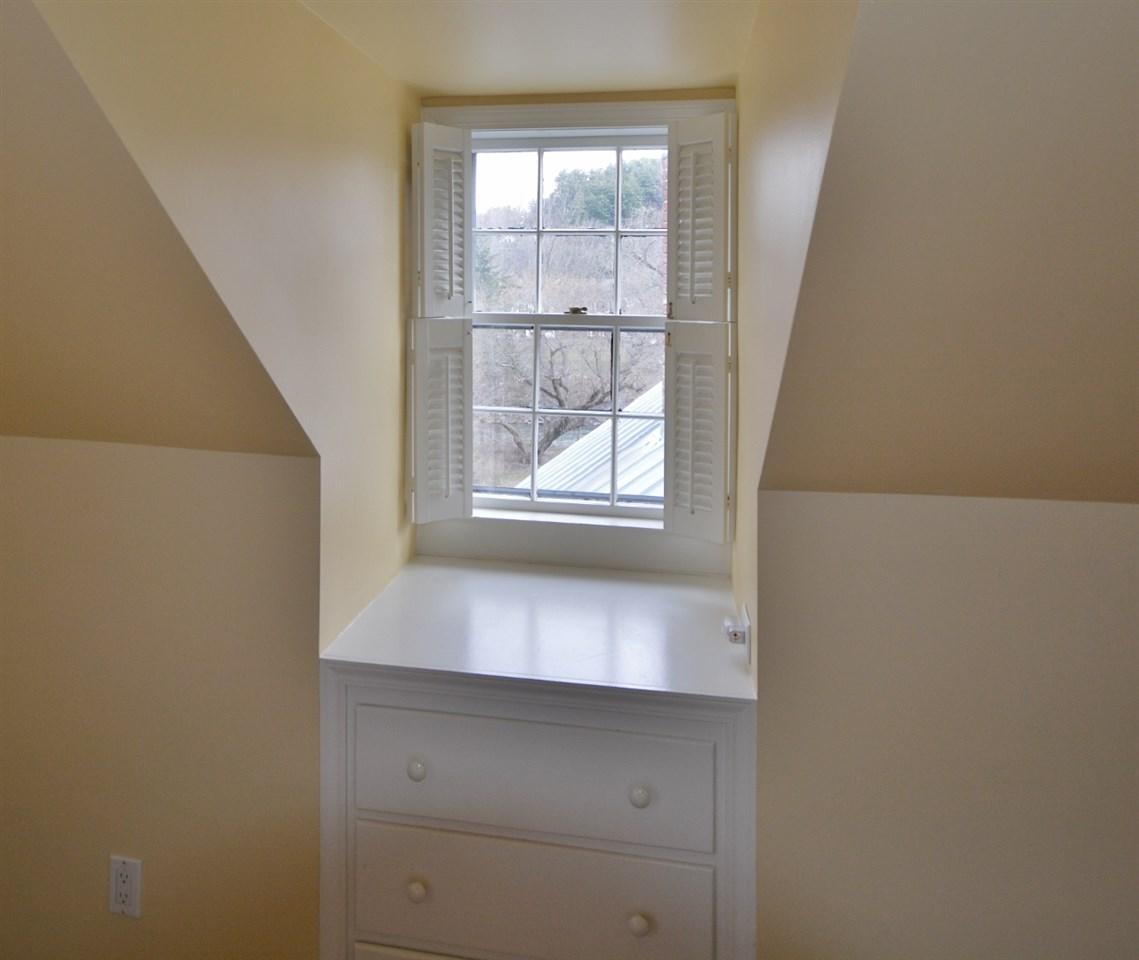 Dormer window & built-in 11807671