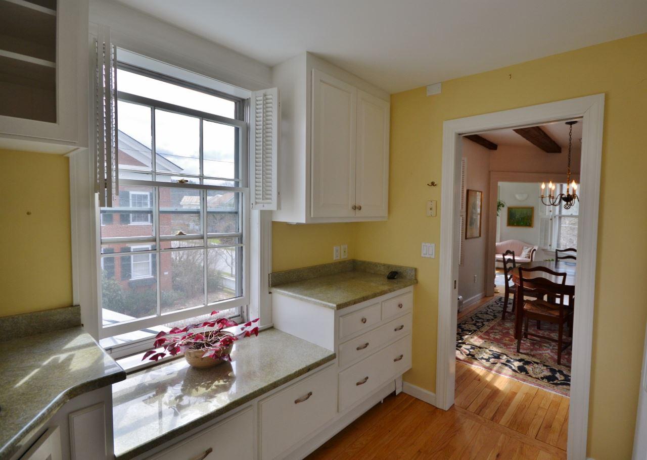 Kitchen Window 11807676