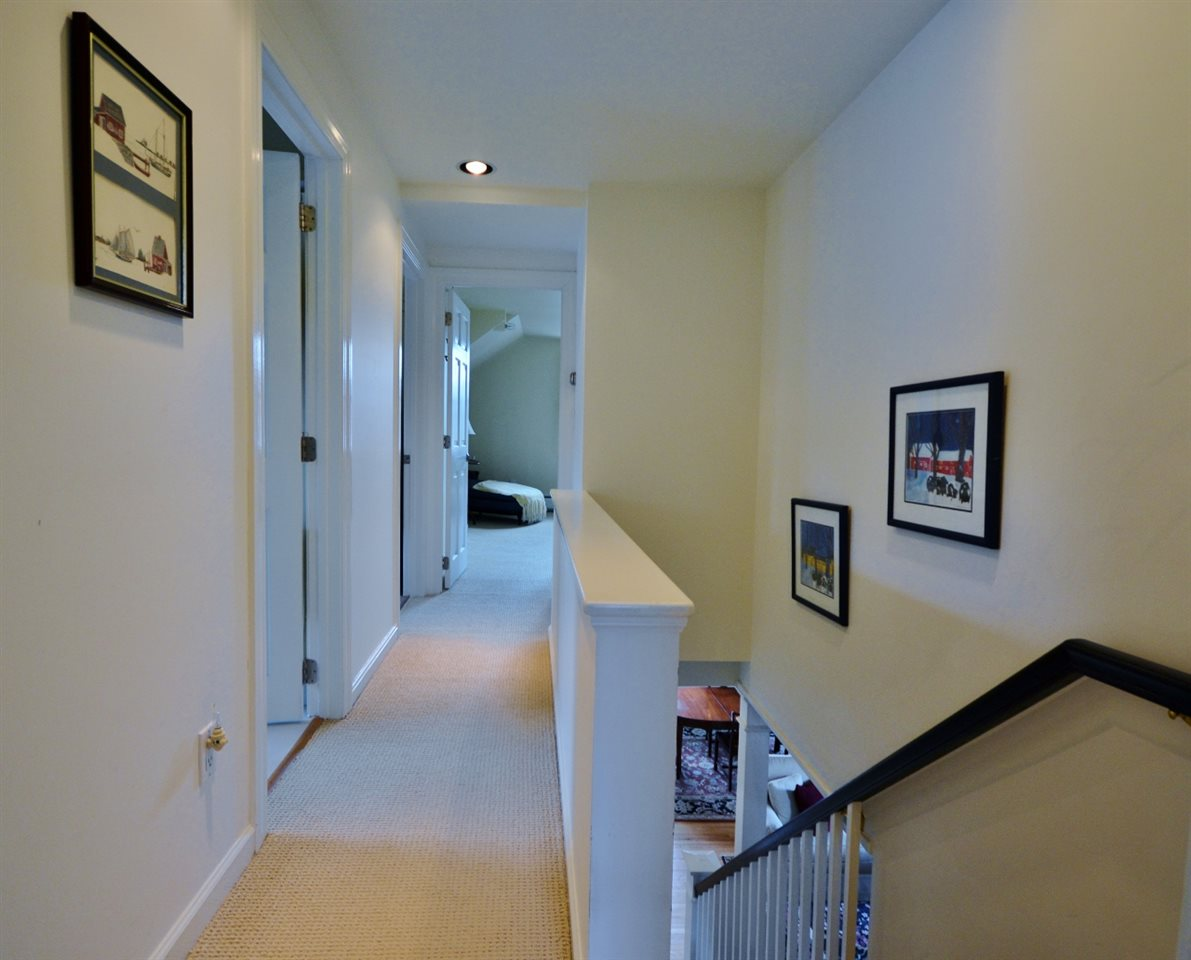 Bedroom Level Hallway & Landing 11807678