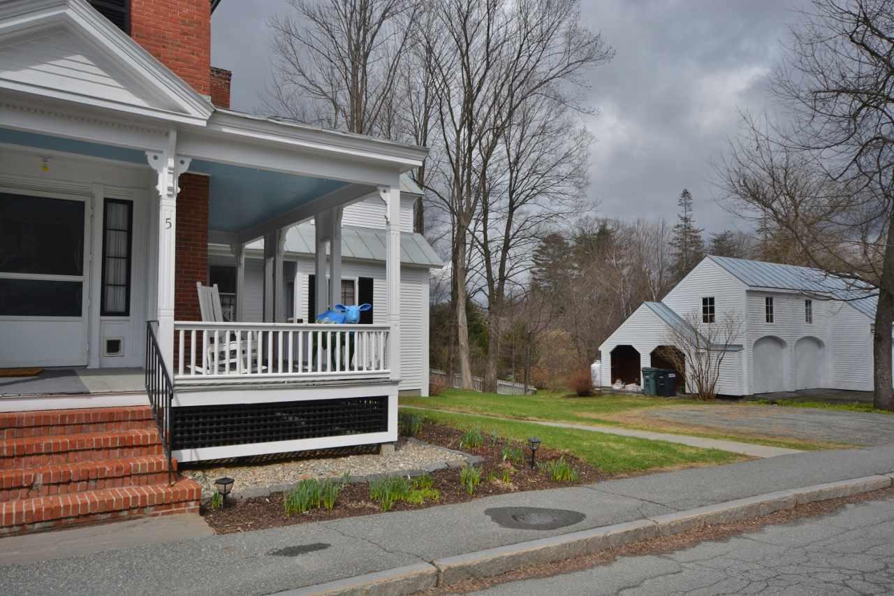 Porch to Garage 11807664
