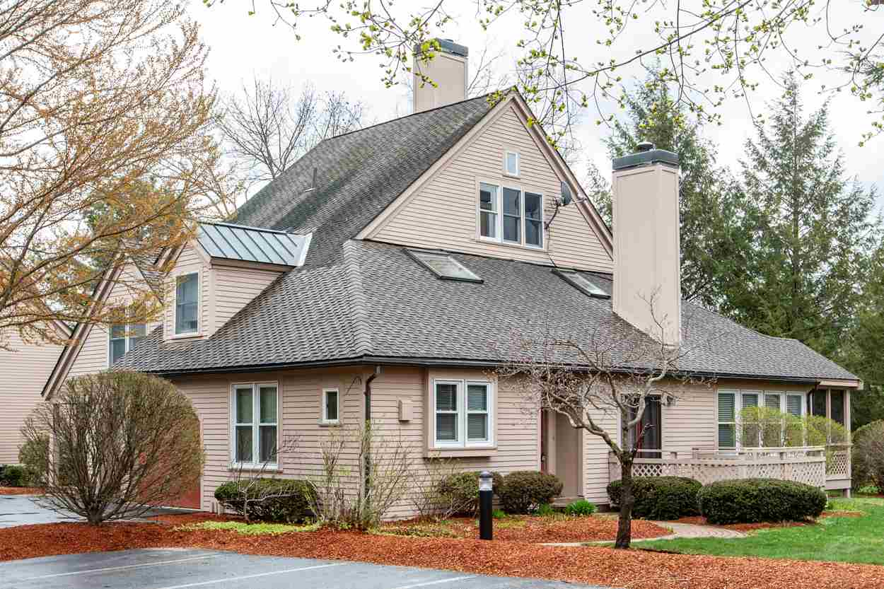 Nashua NHCondo for sale $List Price is $359,900
